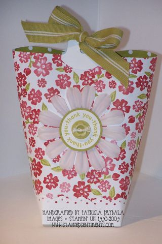 Bella_rose_box_in_a_bag_wm